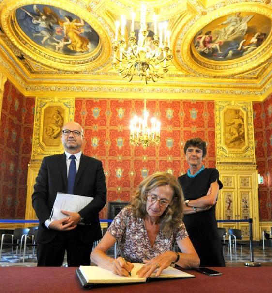 Ministre-Chefs-de-Cour-L-Or