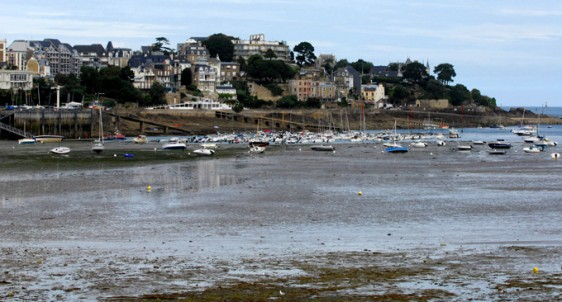 Dinard---Port-Marée-basse-3 -photo-Patrick Desardins