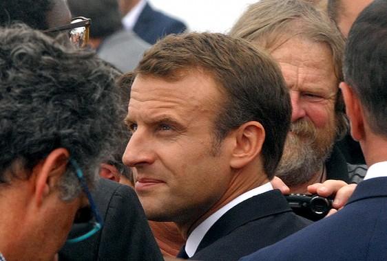 Frehel-Macron-Foule Photo Patrick Desjardins ©