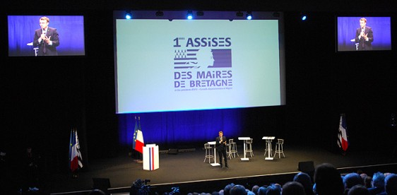 Emmanuel-Macron---Assises-2 Photo-Patrick -Desjardins-©