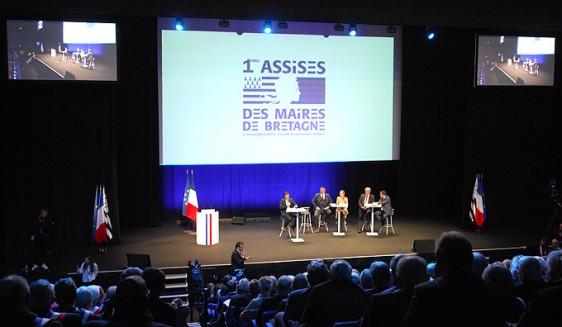 Emmanuel-Macron---Maires-4 Photo-Patrick -Desjardins-©