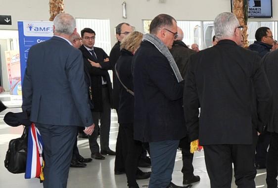 Emmanuel-Macron---arrivée-maires Photo-Patrick -Desjardins-©