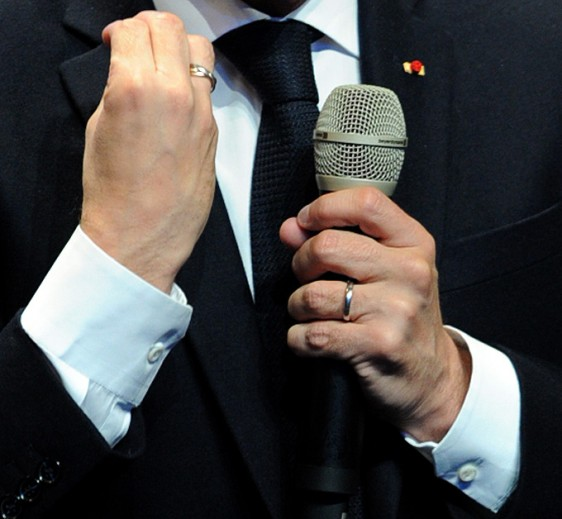Emmanuel-Macron-main-19 Photo-Patrick -Desjardins-©