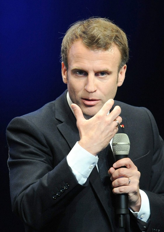 Emmanuel-Macron-main-34- Photo-Patrick -Desjardins-©
