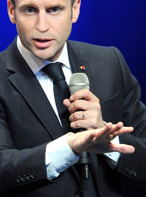 Emmanuel-Macron---main-5--Photo-Patrick -Desjardins-©